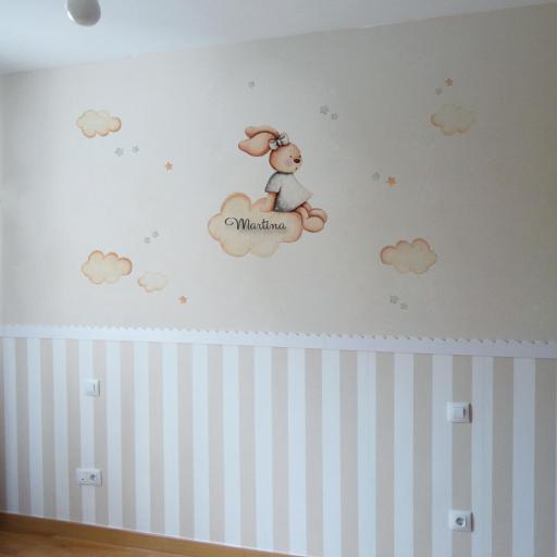 VINILO INFANTIL: Conejita sentada en tonos grises [2]