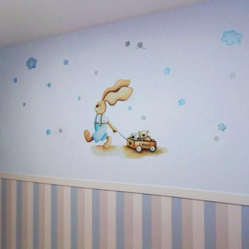 VINILO INFANTIL: Conejito con carro y estrellas azules