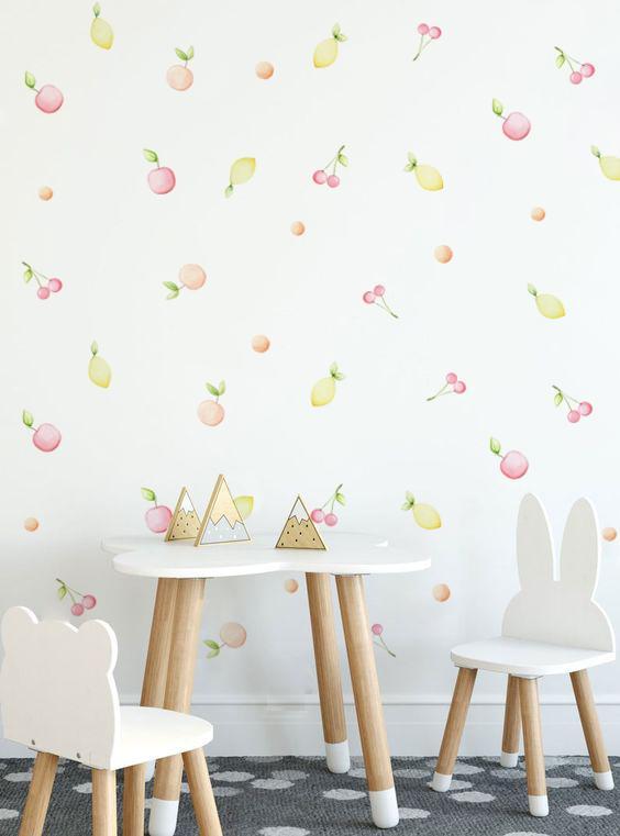 VINILO INFANTIL: frutas en tonos pastel