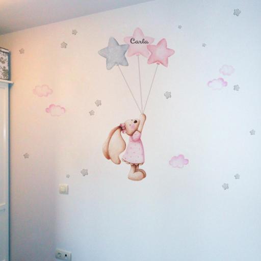 VINILO INFANTIL: conejita con globos y estrellas