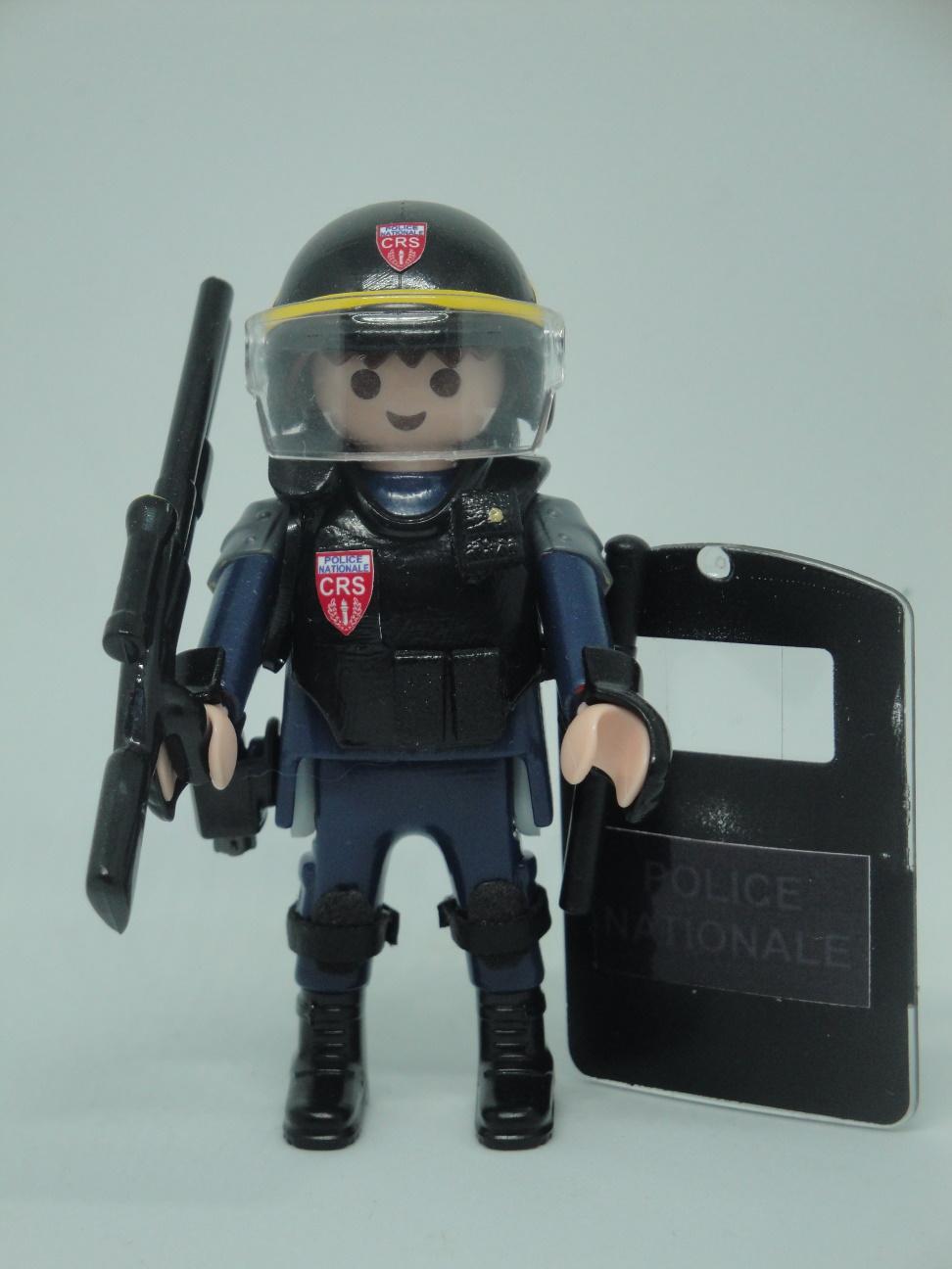 Playmobil personalizado con el uniforme de las CRS de la Policía Nacional de Francia