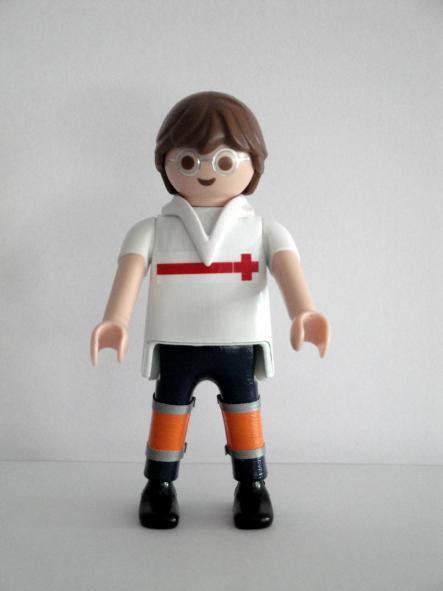 Playmobil personalizado con el uniforme de conductor de ambulancia de la cruz roja hombre
