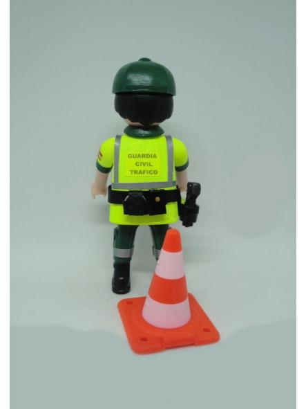 Playmobil personalizado con uniforme de la guardia civil de tráfico con cono hombre [1]