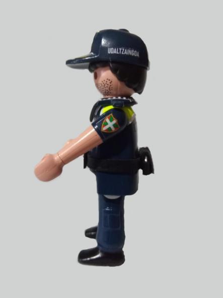 Playmobil personalizado Uniforme Policía Local Udaltzaingoa de Getxo Hombre [3]