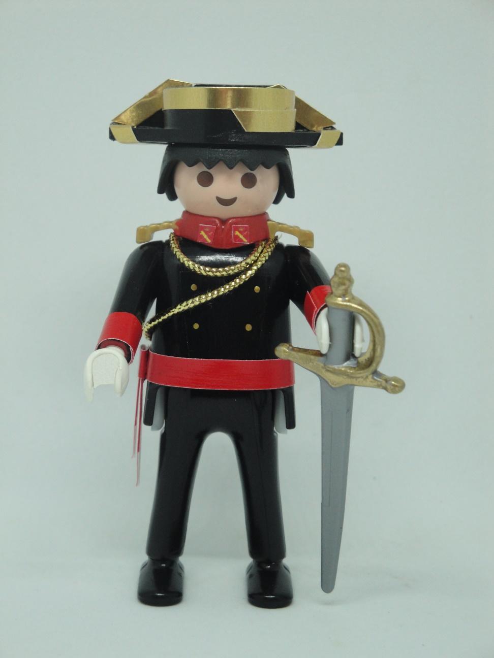 Playmobil personalizado con uniforme gala fajín y espada de la guardia civil hombre