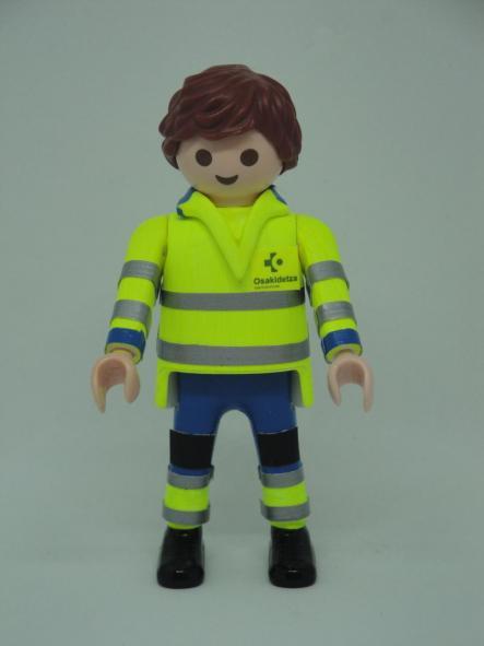 Playmobil personalizado uniforme con pantalón azul de Osakidetza servicio vasco de salud hombre