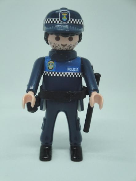 Playmobil personalizado policía local Miranda de Ebro uniforme modelo Castilla León hombre