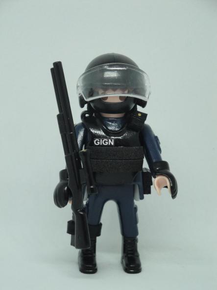 Playmobil personalizado con uniforme del GIGN de la Gendarmerie francesa swat team hombre