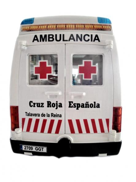 Ambulancia Playmobil personalizada con los distintivos de la Cruz Roja Española - Pídelo con los distintivos de tu población [1]