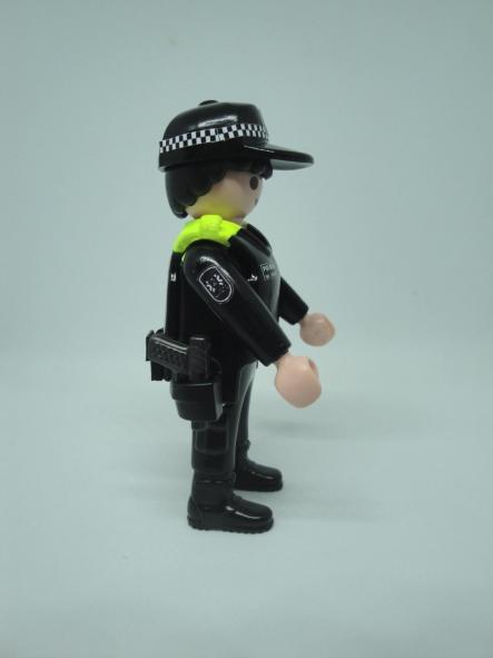 PLAYMOBIL PERSONALIZADO CON UNIFORME DE LA POLICIA LOCAL DE VITORIA HOMBRE [3]