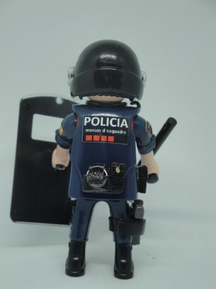 PLAYMOBIL PERSONALIZADO MOSSOS D´ESQUADRA BRIGADA MÓVIL POLICÍA DE CATALUÑA MUJER  [1]