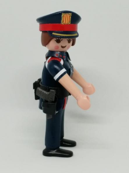 PLAYMOBIL PERSONALIZADO POLICÍA DE CATALUÑA MOSSOS D´ESQUADRA NUEVO UNIFORME MUJER [3]