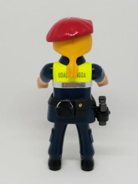 PLAYMOBIL PERSONALIZADO CON EL UNIFORME DE LA POLICÍA MUNICIPAL UDALTZAINGOA DE BILBAO MUJER [1]