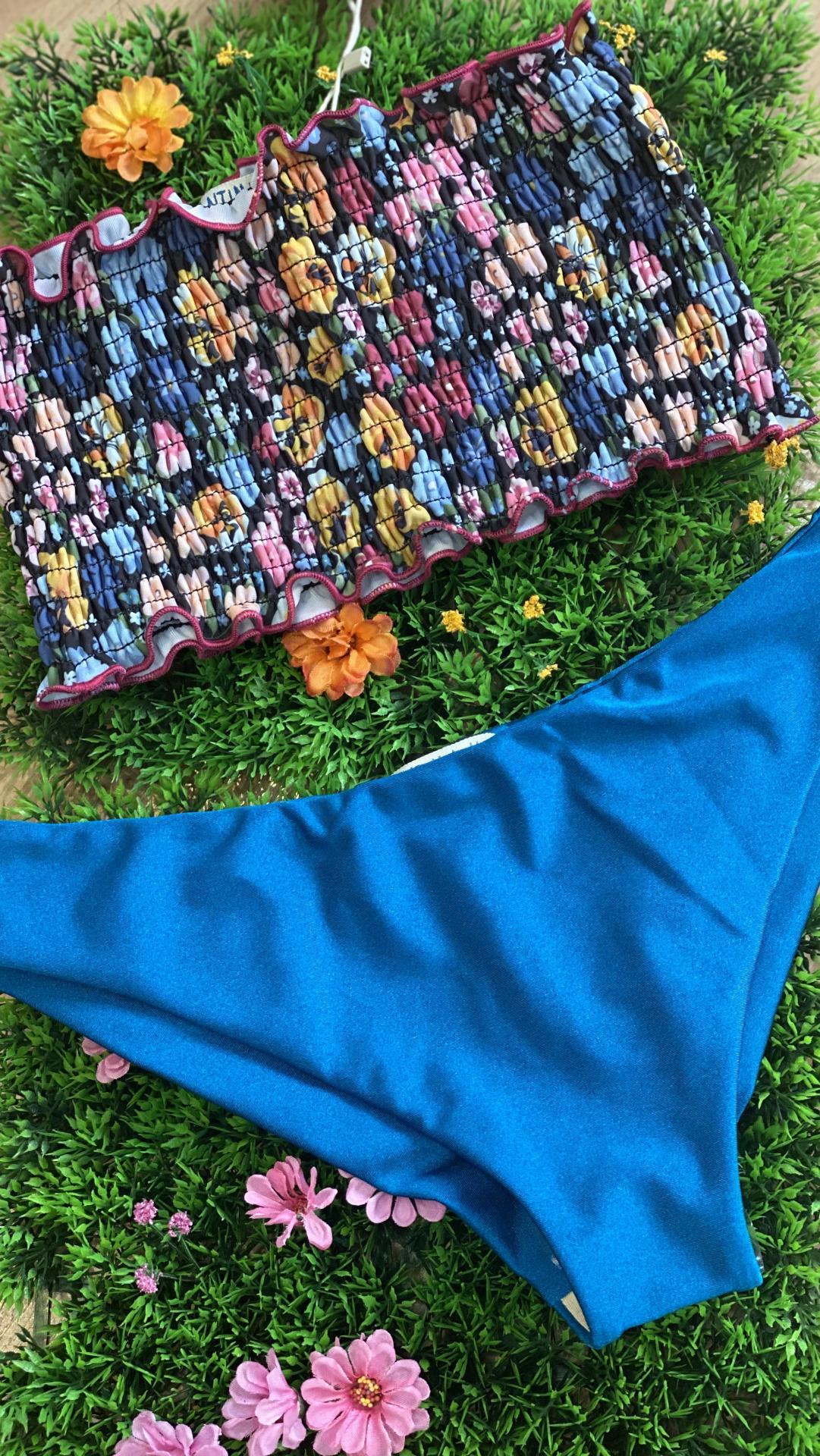 Bikini azul flores