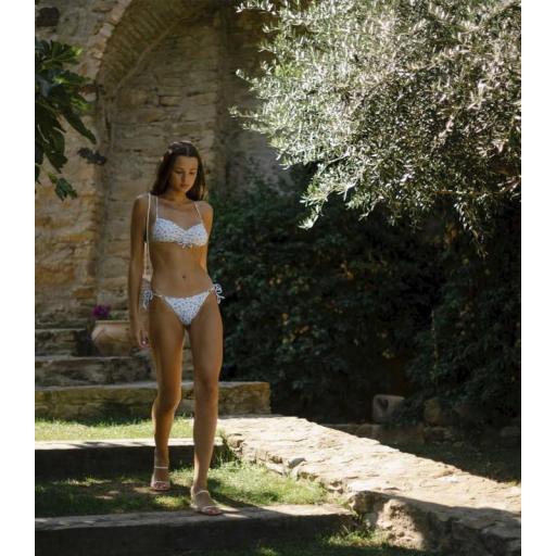 Bikini Nicole [2]