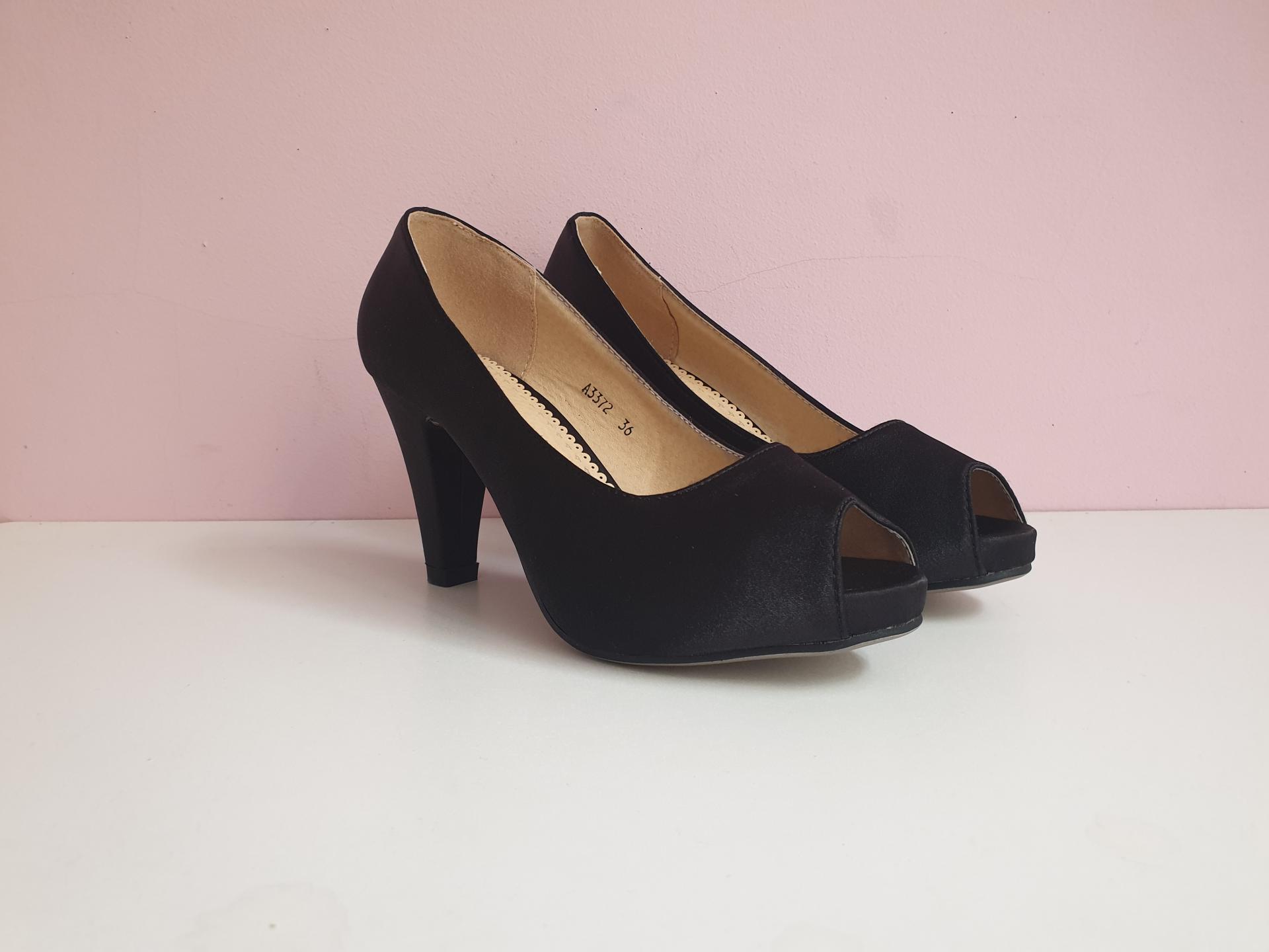Peep toes negro