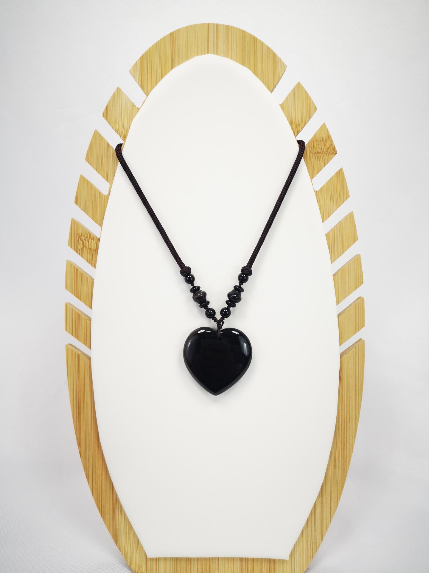 Collar  corazón de cuarzo negro
