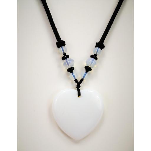 Collar  corazón de cuarzo blanco [1]