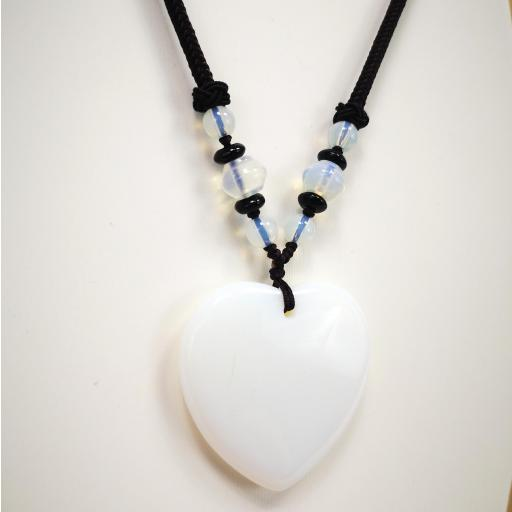 Collar  corazón de cuarzo blanco [2]