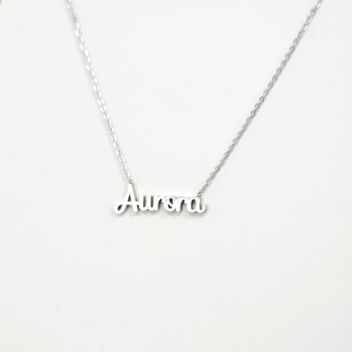 Collar con nombre Aurora