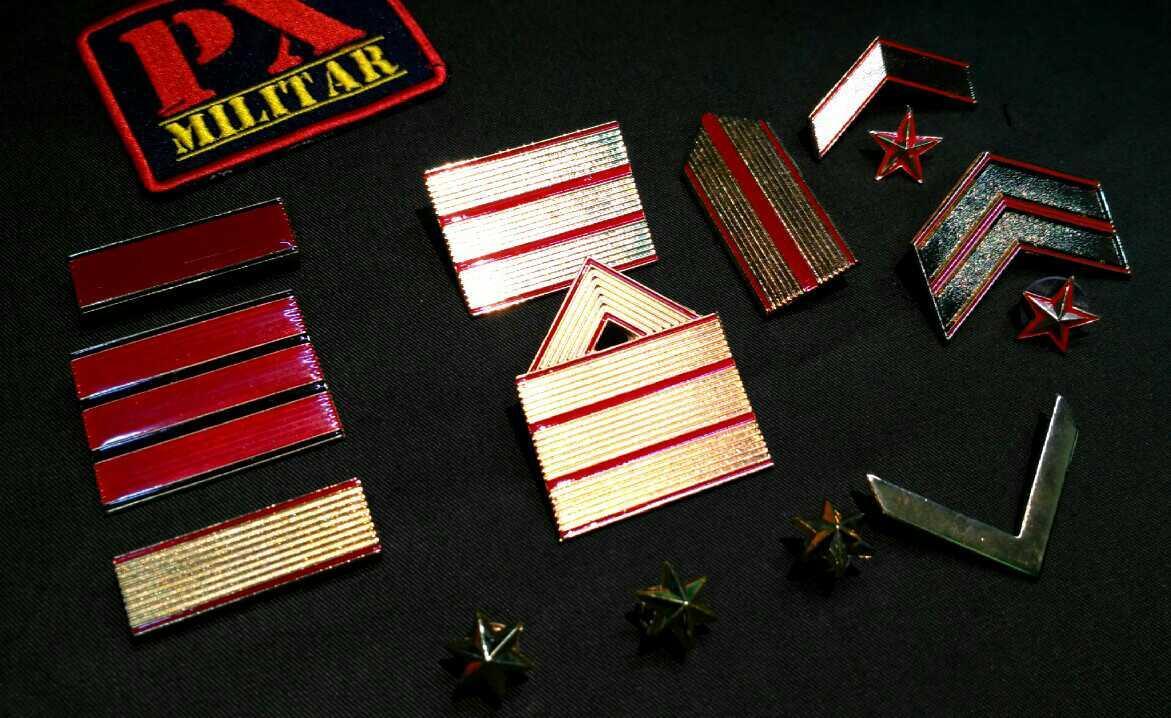 galon-metalico-hombro-par-militar-militares-empelo