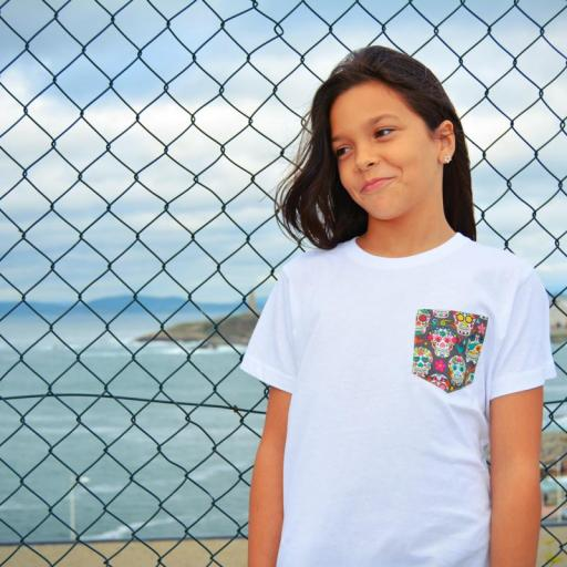 Camiseta niño bolsillo personalizado color blanco.  [1]