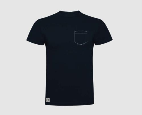 Camiseta niño bolsillo personalizado color negro.