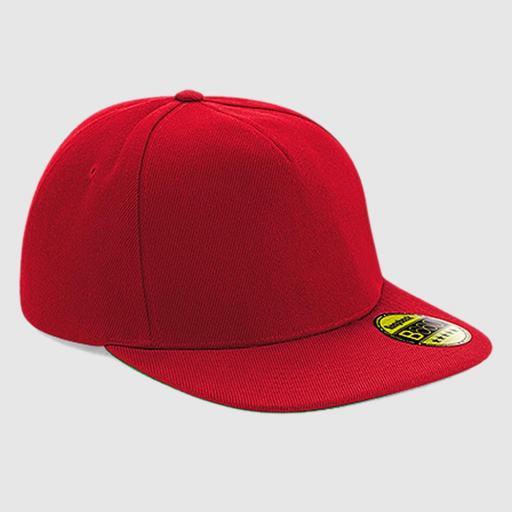 "Gorra snapback ""parche"" color rojo-rojo."