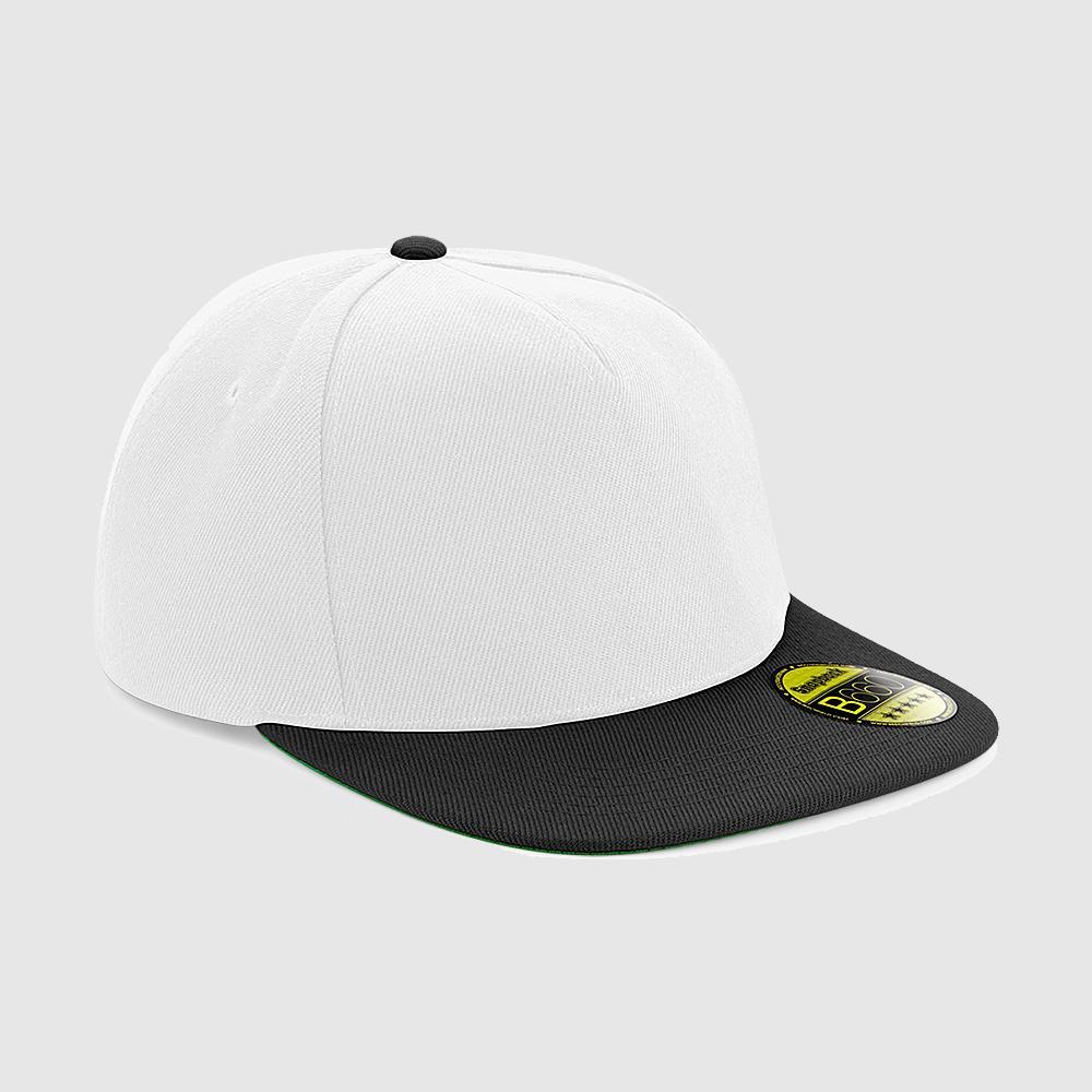 Gorra snapback color blanco-negro.