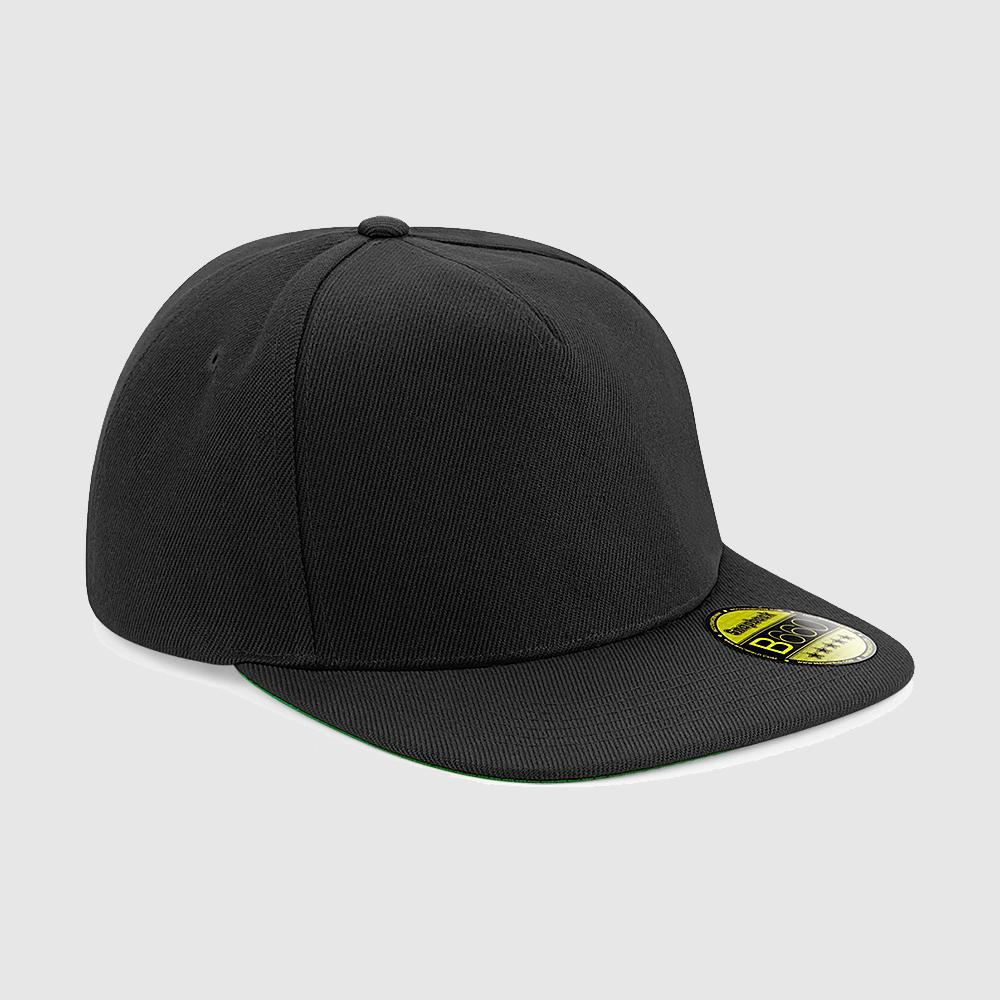 Gorra snapback color negro.