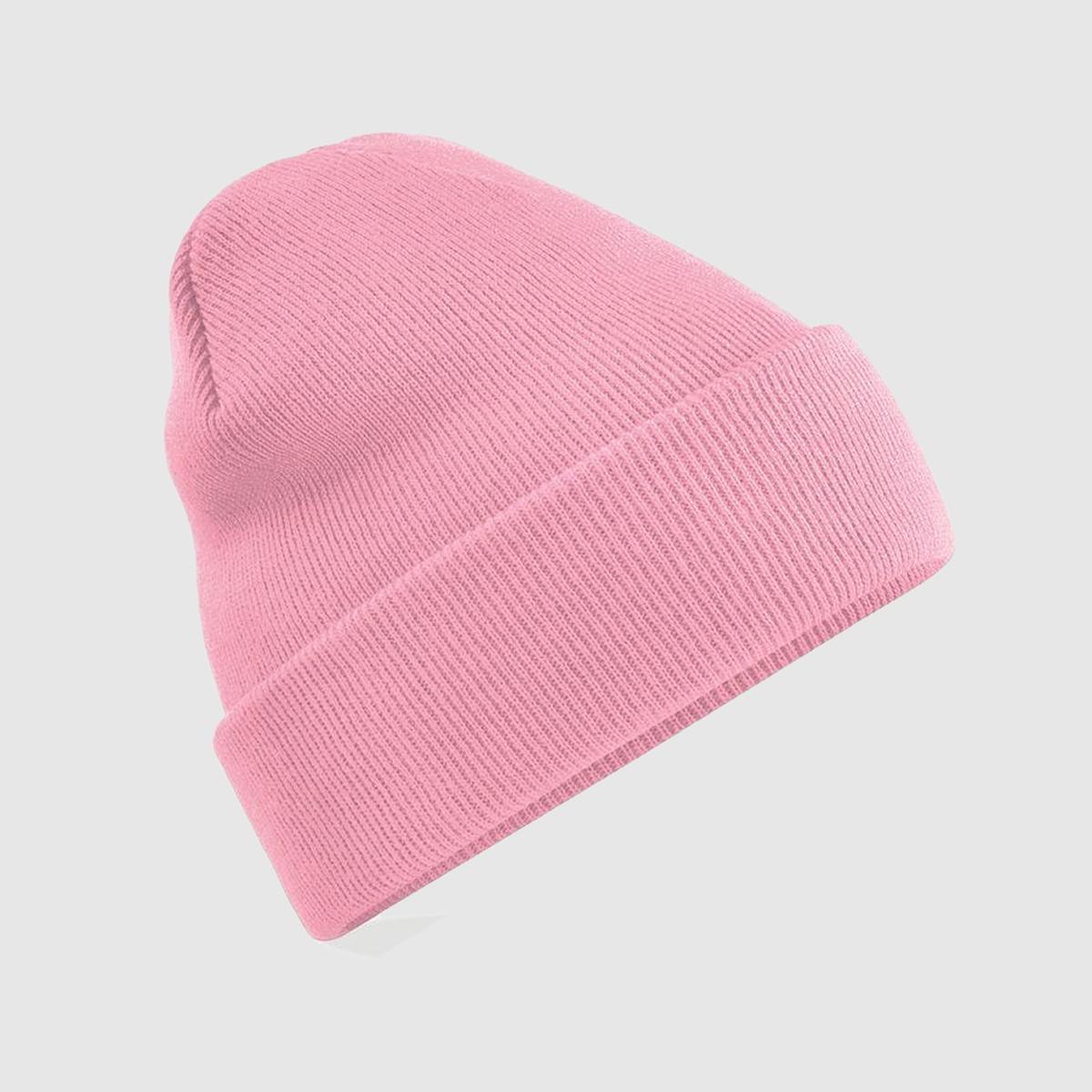 Gorro de punto con borde vuelto color rosa empolvado.