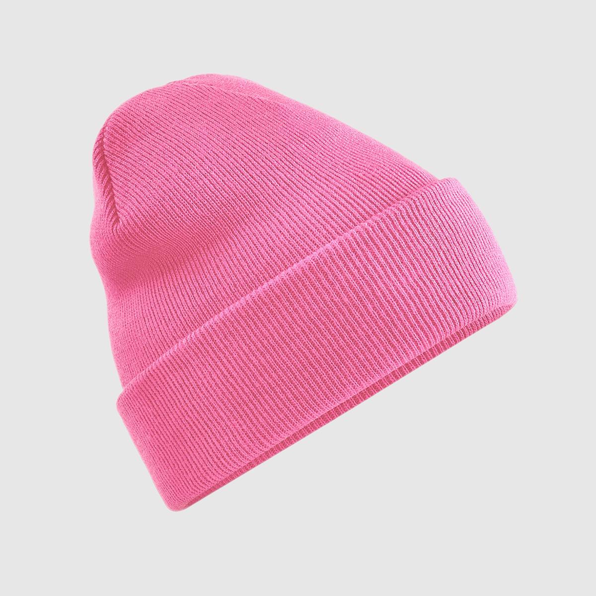 Gorro de punto con borde vuelto color rosa.