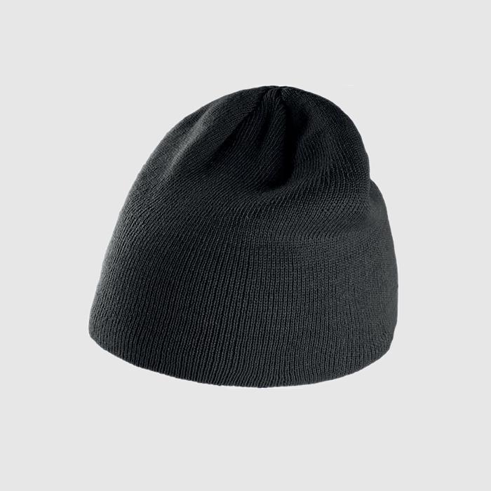 Gorro básico color negro.