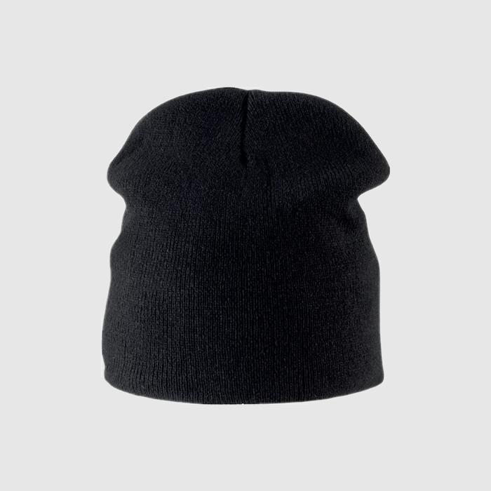 Gorro skater color negro.