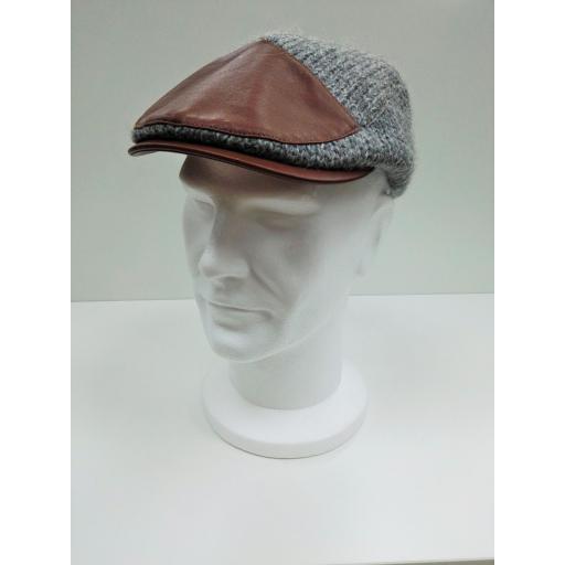 gorra gris remiendo [0]