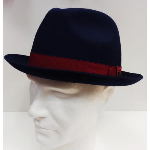 Sombrero Newera [3]