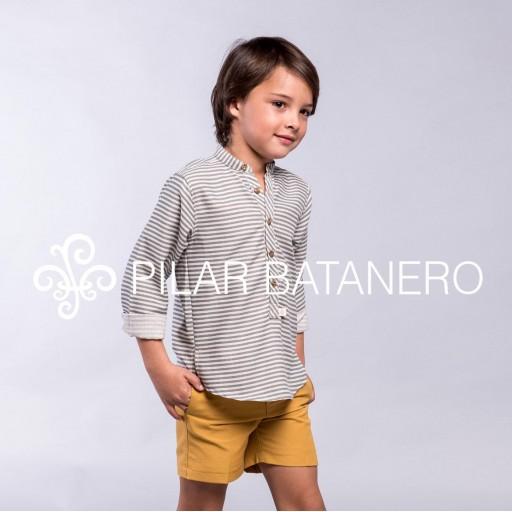 Pantalón chino sarga básico Pilar Batanero color ocre. [1]