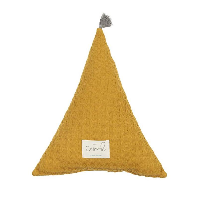 "Cojín triángulo ocre ""Bimbi Casual"""