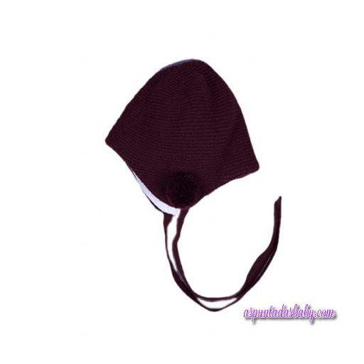 Gorro Cesar Blanco  color granate.
