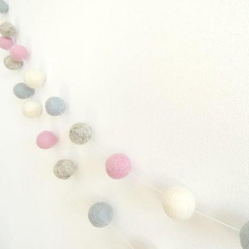 Guirnalda mix colores: rosa / beige/ azulito / gris [2]
