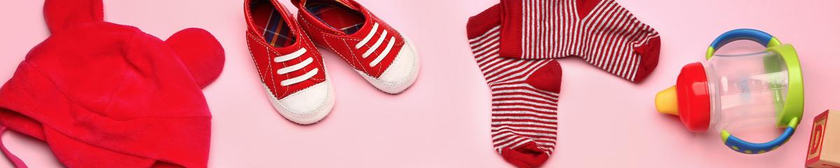 Primera puesta del bebé, ¿cómo elegir la ropa de bebé adecuada?