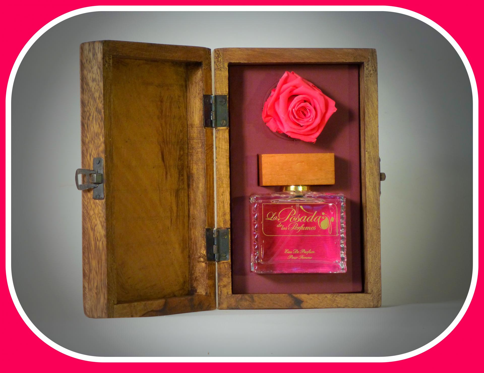 Caja Mágica Con  Rosa Eterna para perfumes de 100ml