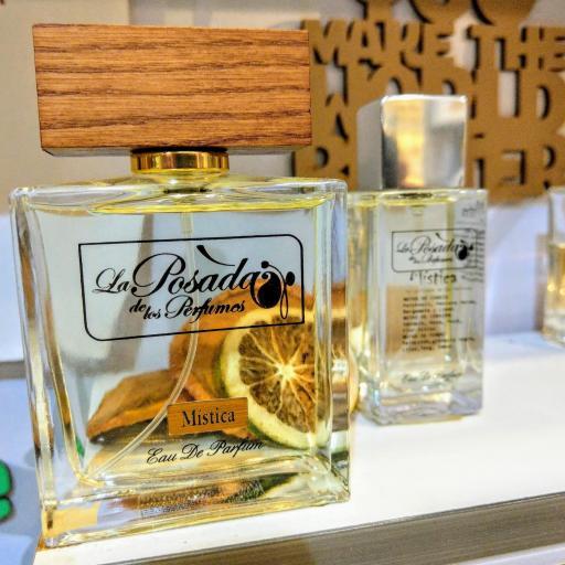 Mística Eau de Parfum