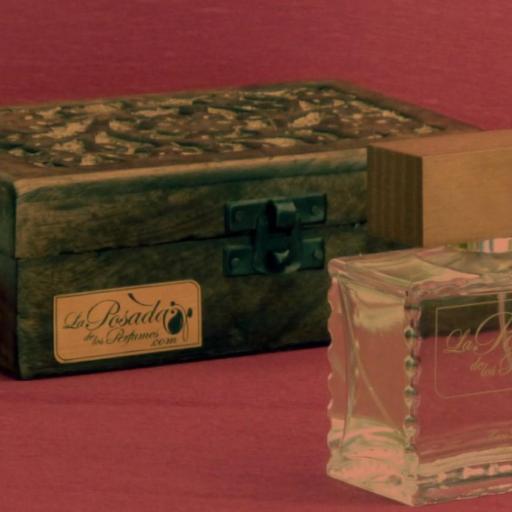 Hechizo eau de Parfum