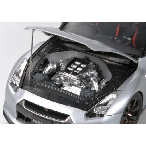 1/24 Nissan GT-R [1]