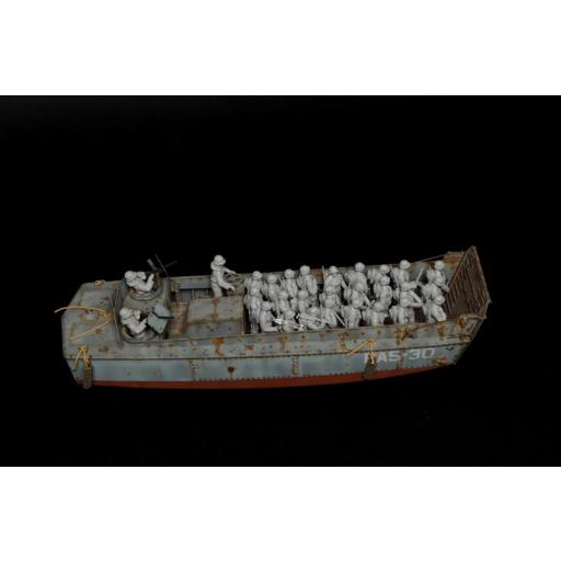 1/35 LCVP with US INFANTRY [1]