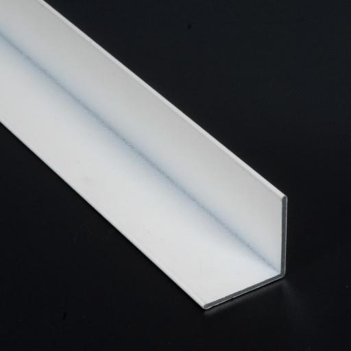 Perfil en L de aluminio. [1]
