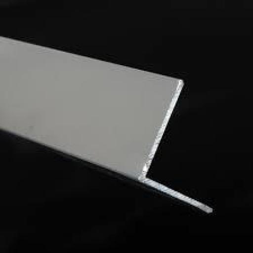 Perfil en L de aluminio. [2]