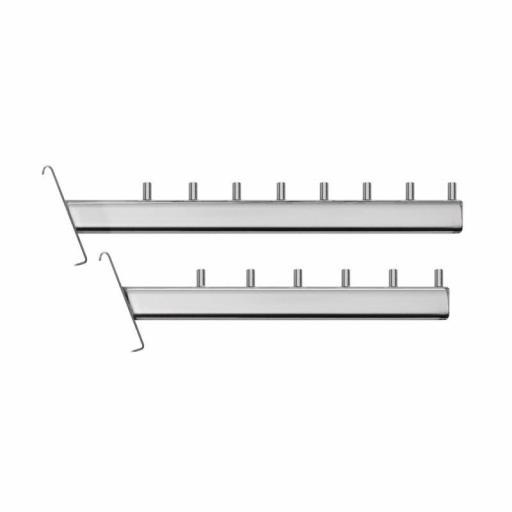 Colgador inclinado con pivotes a panel de rejilla [1]
