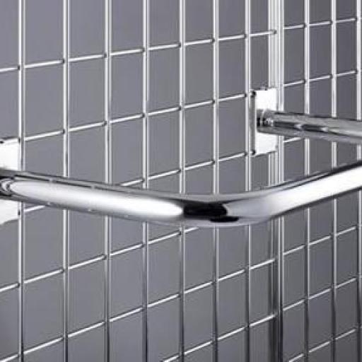 Paneles de rejillas cromadas a pared [2]